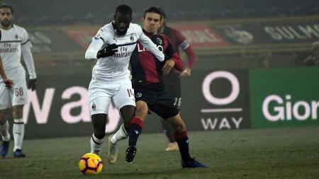 Tiemoue Bakayoko di laga menghadapi Bologna. - INDOSPORT