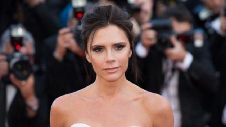 Victoria Beckham memiliki tips untuk mata terlihat lebih indah - INDOSPORT