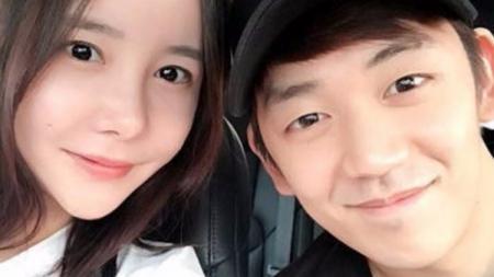 Lee Yong-dae dan mantan istri, Byun Soo-mi. - INDOSPORT