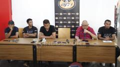 Indosport - Asosiasi Pesepakbola Profesional Indonesia (APPI) gelar jumpa pers.