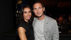 Indosport - Frank Lampard beserta sang istri, Christine.