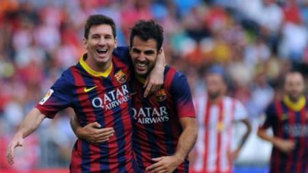 Cesc Fabregas memuji mantan rekan setimnya di Barcelona, Lionel Messi, sebagai pemain yang tak dapat tergantikan. - INDOSPORT
