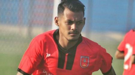 Pemain PSMP Mojokerto, Krisna Adi Darma dihukum larangan bertanding seumur hidup. - INDOSPORT