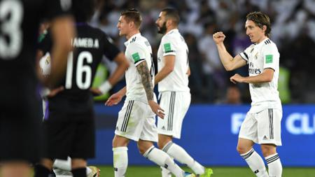 Raksasa Serie A Liga Italia, Inter Milan, kabarnya tertarik pada gelandang Real Madrid incaran AC Milan, Luka Modric (kanan). - INDOSPORT