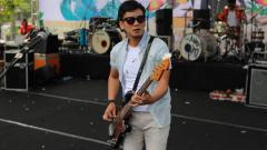 Indosport - Muhammad Awal Purbani, bassis band Seventeen.