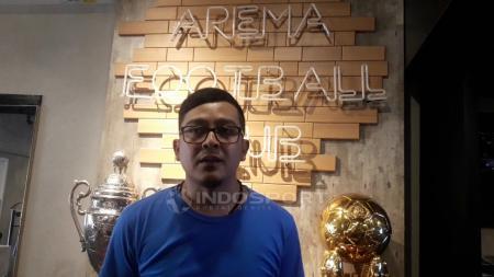Yusrinal Fitriandi, Manajer Divisi Bisnis dan Pemasaran Arema FC. - INDOSPORT