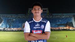 Indosport - Pemain muda Arema FC Dalmiansyah Matutu