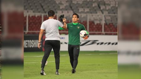 Kiper Borneo FC Muhammad Ridho saat menjalani latihan bersama Timnas Indonesia - INDOSPORT