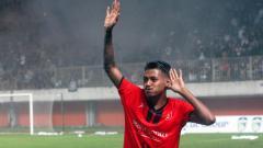 Indosport - Pemain PS Mojokerto Putra Krisna Adi.