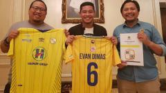 Indosport - Evan Dimas resmi ke Barito Putera.
