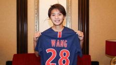 Indosport - Wang Shuang, pemain sepak bola wanita yang disebut sebagai Lady Messi, bermain untuk tim wanita PSG