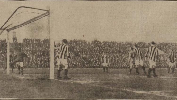 Situasi pertandingan Manchester united vs liverpool 1915 Copyright: Istimewa