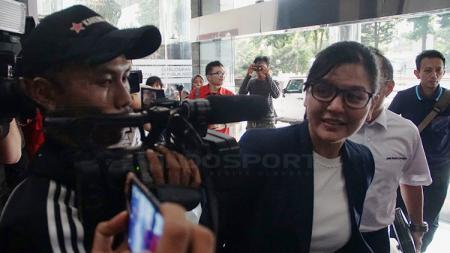 Sekretaris Jenderal (Sekjen) PSSI, Ratu Tisha Destria memenuhi panggilan Satgas Anti Mafia Bola di Ombudsman - INDOSPORT