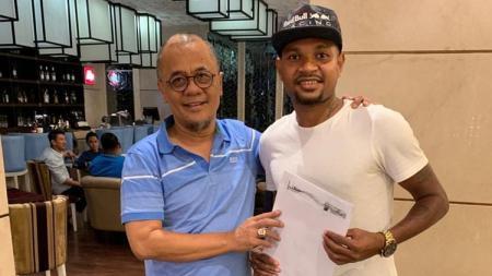 Pemain baru Madura United, Fandri Imbiri. - INDOSPORT