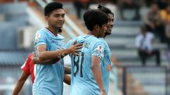 Indosport - Pemain Persela Lamongan saat latihan.