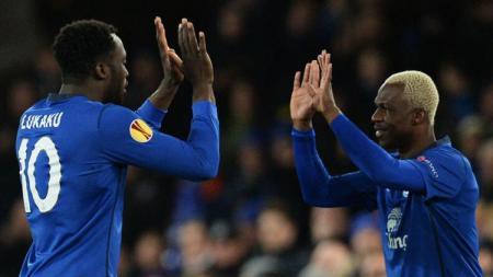 Arouna Kone - Romelu Lukaku saat masih berduet di Everton. - INDOSPORT