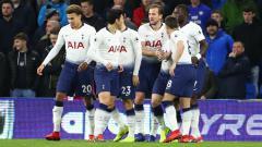 Indosport - Para pemain Tottenham Hotspur melakukan selebrasi