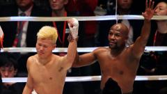Indosport - Mayweather mengalahkan Nasukawa