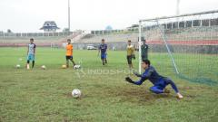 Indosport - Kiper anyar Madura United, Muhammad Ridho Djazuli.