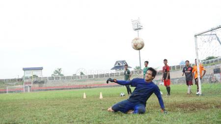 Kiper anyar Madura United, Muhammad Ridho Djazuli. - INDOSPORT