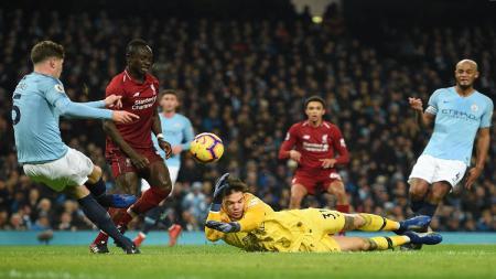 Duel para pemain Liverpool dan Manchester City diajang Liga Primer Inggris 2018/19 pada awal tahun 2019 ini. - INDOSPORT
