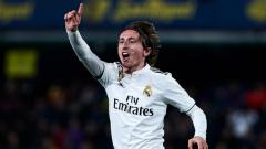 Indosport - Luka Modric dalam laga Villarreal vs Real Madrid di Stadion de la Ceramica, Jumat (04/01/19).