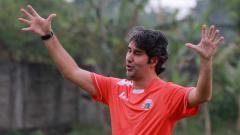 Indosport - Stefano Cugurra Teco pelatih Persija Jakarta.