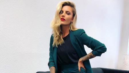 Sophia Thomalla, kekasih kiper Liverpool yang kini membela Besiktas, Loris Karius. - INDOSPORT