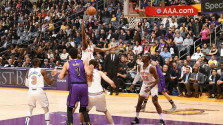 Suasana pertandingan LA Lakers vs Phoenix Suns. - INDOSPORT
