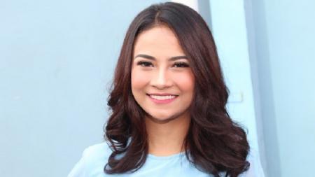 Ajak Olahraga Sambil Main Basah-basahan, Vanessa Angel Disebut Binal - INDOSPORT