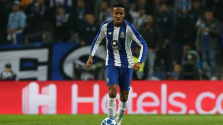 Eder Militao, bek tengah milik FC Porto. - INDOSPORT