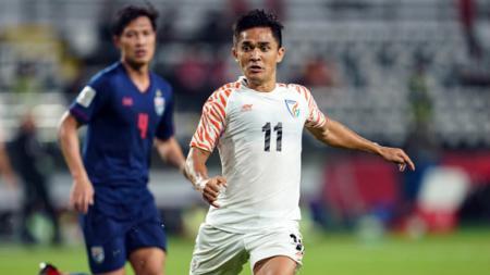 Sunil Chhetri saat laga Piala Asia 2019 kontra Thailand. - INDOSPORT