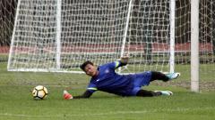 Indosport - Muhammad Riyandi saat mengikuti latihan bersama Timnas Indonesia U-19 di Stadion UNY.