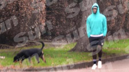 Paul Pogba bersama Anjing Peliharaannya - INDOSPORT