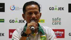 Indosport - Pelatih Persebaya Surabaya Djadjang Nurdjaman.