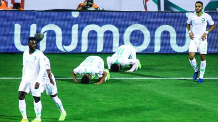 Selebrasi Pemain Arab Saudi usai Mencetak Gol ke gawang Korea Utara - INDOSPORT