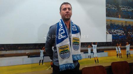 Pelatih Persib Bandung, Miljan Radovic. - INDOSPORT