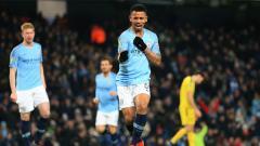 Indosport - Gabriel Jesus cetak 4 gol ke gawang Burton.