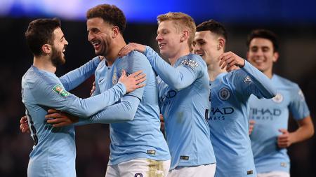 Manchester City disebut telah menawarkan beknya, Oleksandr Zinchenko ke Barcelona. Langkah ini diambil karena The Citizens akan kedatangan Ruben Dias. - INDOSPORT