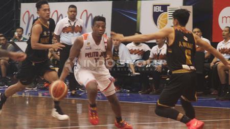 Pemain Pelita Jaya, Wayne Bradford. - INDOSPORT