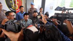 Indosport - Wasit Liga 2, M Irham mendatangi Mapolda DIY untuk melaporkan match fixing