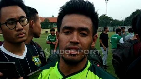 Salah satu pemain Persela Lamongan, Novan Setya Sasongko mengaku sudah tak sabar untuk segera berlatih bersama teman-temannya. - INDOSPORT