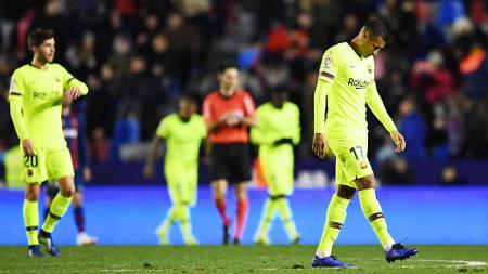 Jeison Murillo tertunduk lesu usai kalah dari Levante pada laga Copa del Rey 16 besar di stadion Ciutat de Valencia 11/01/19 - INDOSPORT