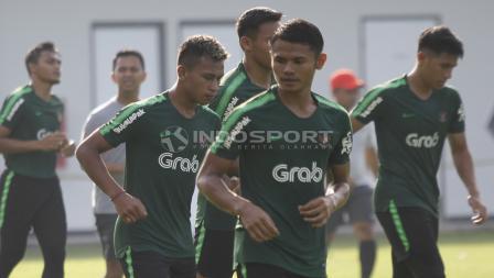 Osvaldo Haay (kedua dari kiri) perdana bergabung di TC Timnas U-22 hari ini.