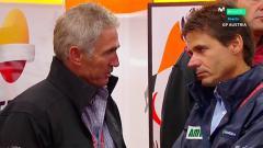 Indosport - Mick Doohan dan Alex Criville, dua legenada tim Repsol Honda di ajang MotoGP