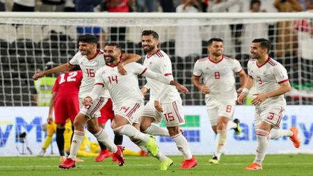 Saman Ghoddos saat mencetak gol kelima Iran ke gawang Yaman. - INDOSPORT