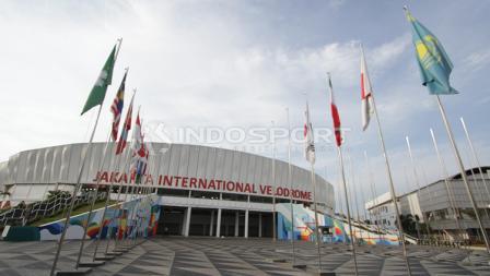 Tampak depan Jakarta International Velodrome.