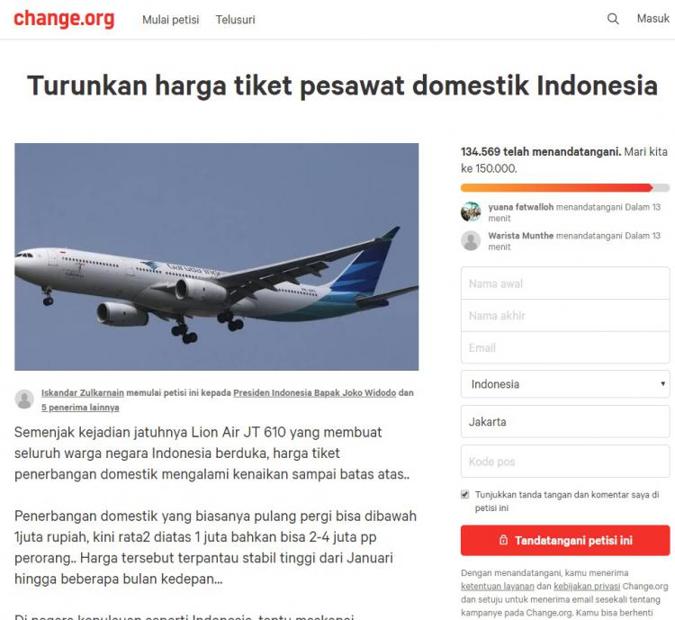 Petisi turunkah harga tiket pesawat. Copyright: Screenshoot.