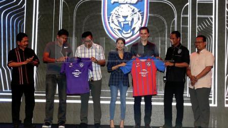 Jersey Baru Klub Malaysia, JDT - INDOSPORT