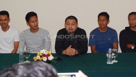 Proses perkenalan 6 pemain baru PSM Makassar. - INDOSPORT